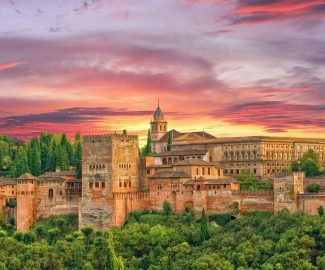 granada_alhambra_Lady_Travel