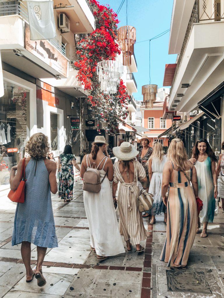 Heraklion_Lady Travel